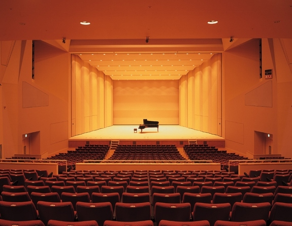 アンバーホール大ホール