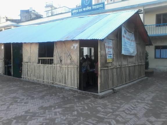 Gyanodaya学校の暗い教室