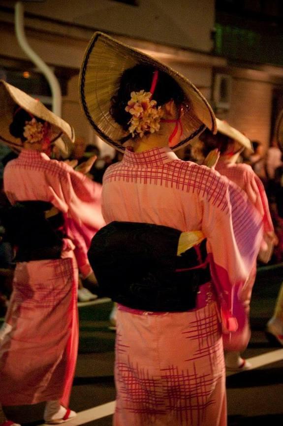 大人の夜の祭り 「おわら風の盆」