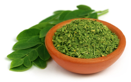 濃い緑色をした抹茶のようなパウダー