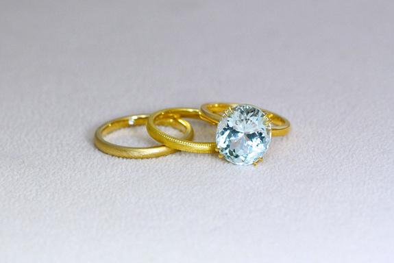 アクアマリンの婚約指輪と結婚指輪