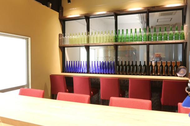 深川ワイナリー内試飲所でできたてのワインをお楽しみいただけます。