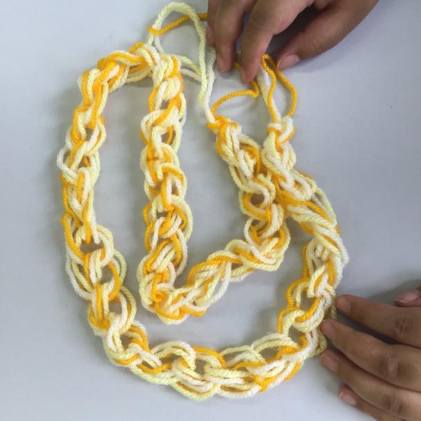 構造練習中の糸