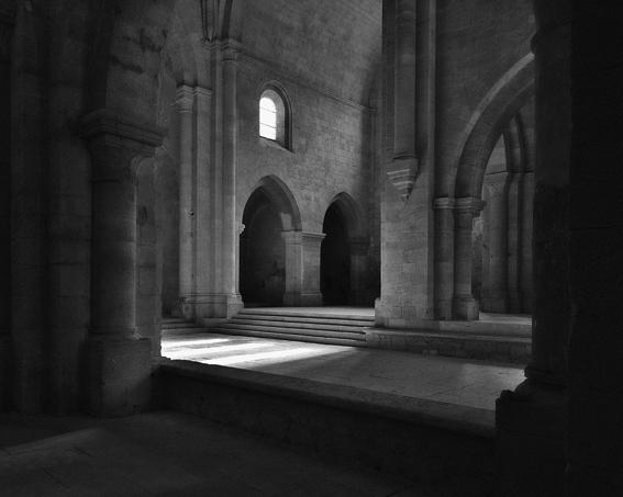 南仏の聖なる空間、第88回国展にて国画賞受賞、《光の静寂》2014