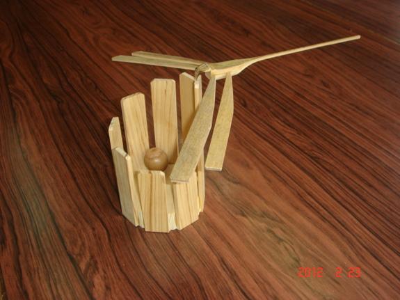 木工クラフトの例です。