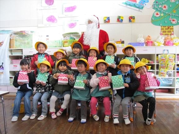 2013クリスマス便 山田町わかば幼稚園 園児のみんなと