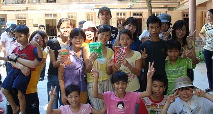 インドネシア孤児院支援のため訪...