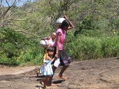 スリランカの山村に水道を作って、子供達にもっと教育の時間を!