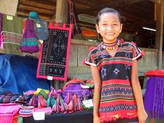 ベトナム少数民族の手作り観光開発で生活と文化を守る
