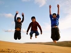 東北の震災孤児・遺児達を夏休みにシドニーに10人招待したい!