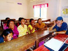 自分の未来を切り拓け!その日暮らしの子どもを救う語学学校を。
