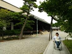 車椅子の方のための京都のガイドブックを作成・出版したい!