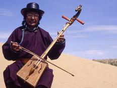 ゴビ砂漠で伝説の馬頭琴演奏を収録し、CD/DVDにして届けたい!