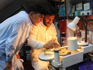 パキスタンにエシカルジュエリーを製作する研磨工房を設立したい