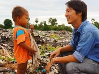 バナナペーパーでカンボジアのゴミ山で働く100人に働ける場所を