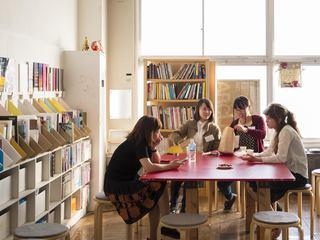 茨城県守谷市に芸術分野の資料書物が揃う図書サロンをオープン!