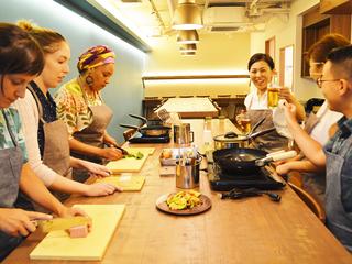 沖縄の食を世界に伝える料理スタジオ&クラフトビアBARをオープン
